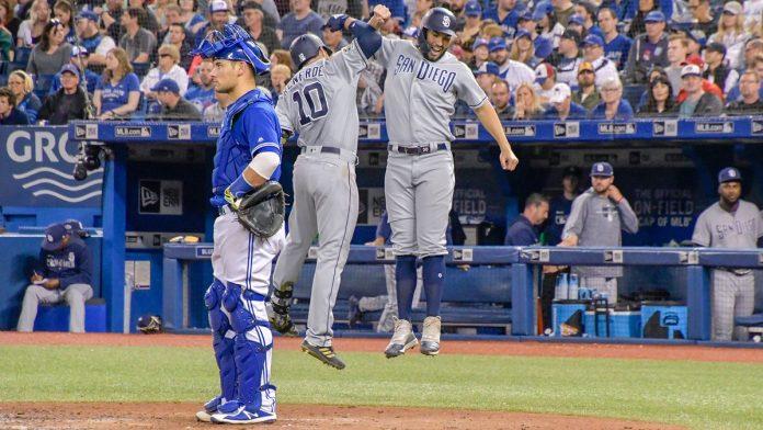 Padres pegan siete jonrones; Filis, Dodgers y Cachorros no fallan