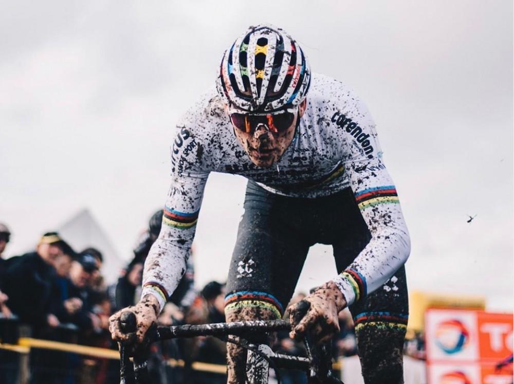 Van der Poel gana el Campeonato Europeo de ciclocross