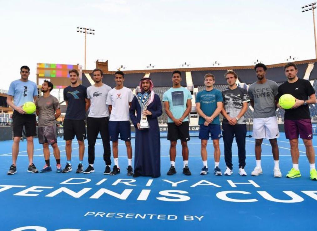 Gael Monfils vence a Stan Wawrinka en el Diriyah Tennis Cup