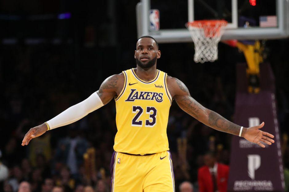 LeBron James continúa estableciendo récords en la NBA